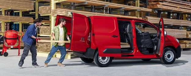625x250-New-Berlingo-Van-Worker-charge